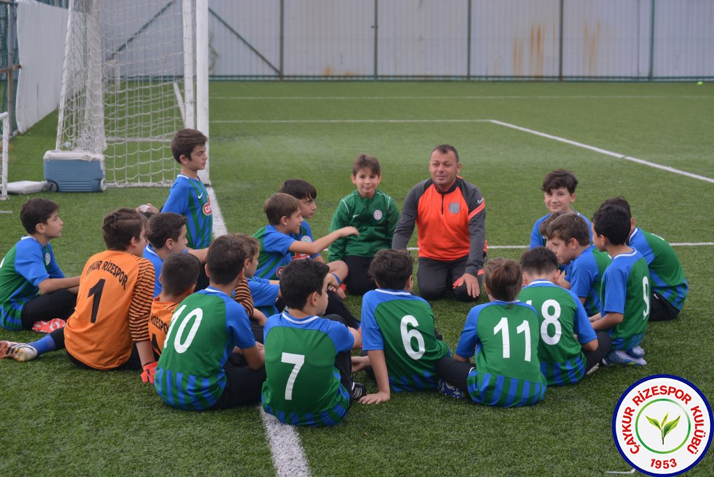 Futbol Okulları Minikler Futbol Şenliği Yapıldı