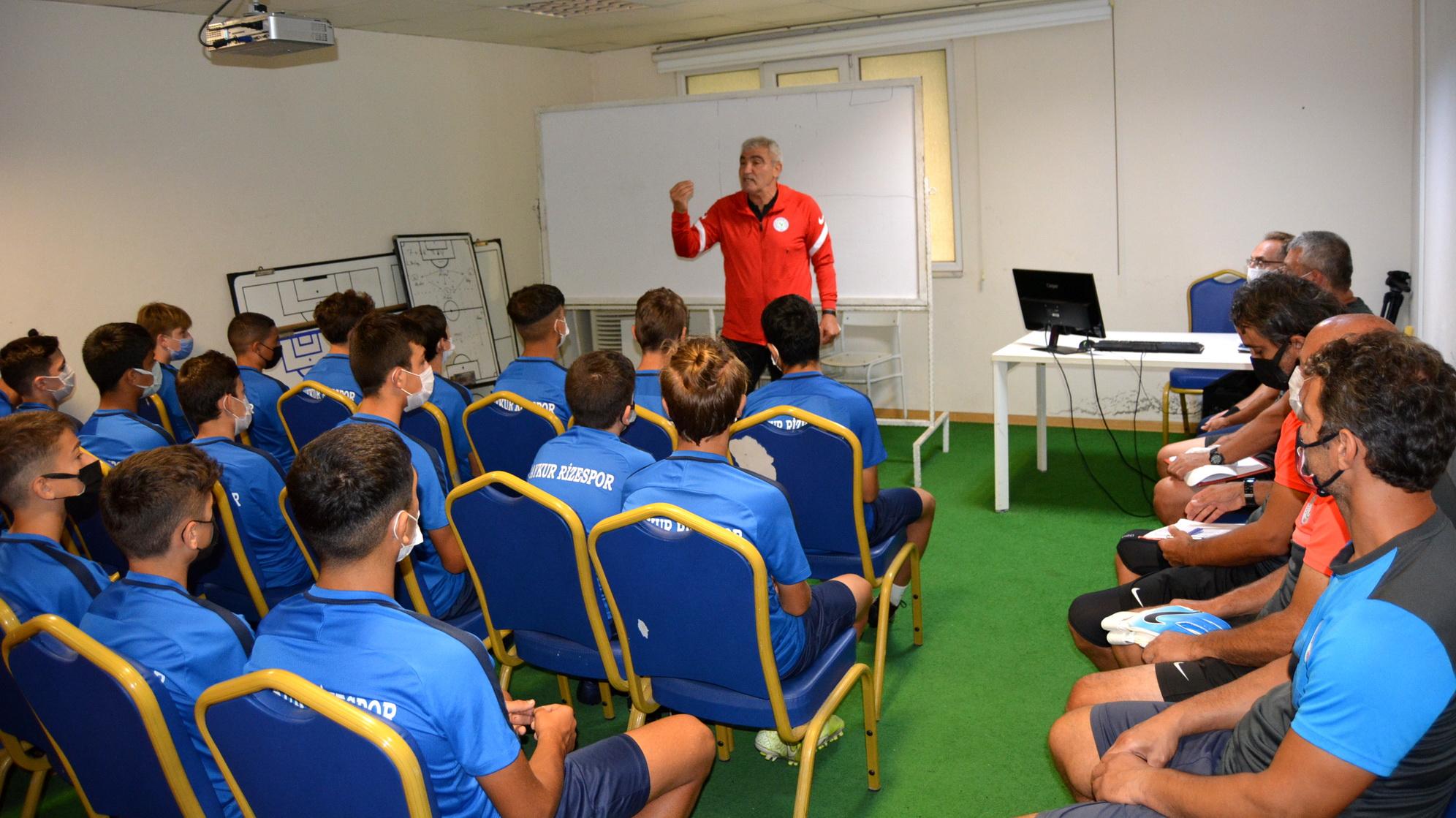 Rizespor Futbol Akademisinde iletişim toplantıları devam ediyor